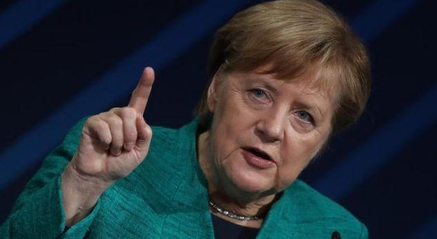 Apeli i Merkelit pas rekordit të rasteve me Covid-19: Rrini në shtëpi, udhëtoni minimalisht