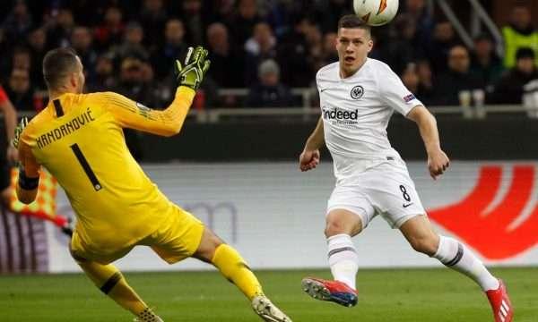 Real Madridi heq dorë, Barça futet në garë për sulmuesin e Frankfurtit