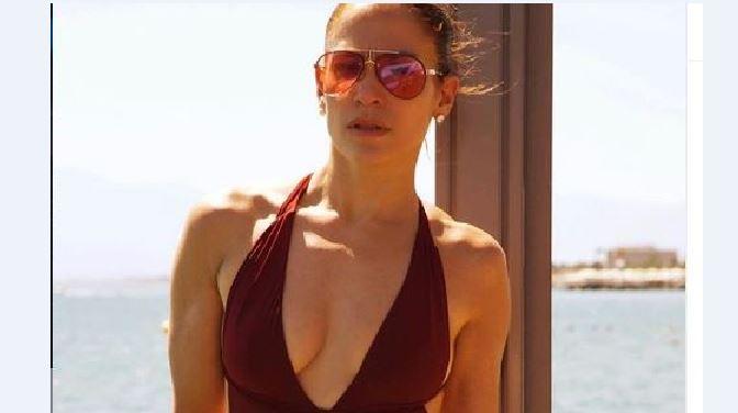 Jennifer Lopez me poza provokuese në setin e ri fotografik
