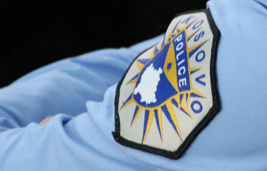 Policia e Kosovës 'blindon' ndërtesën e kuvendit