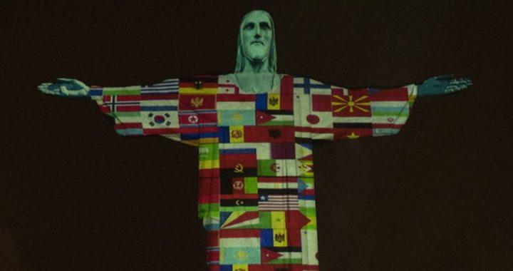 Statuja e Krishtit në Brazil ndriçohet me flamujt e vendeve të prekura nga coronavirusi