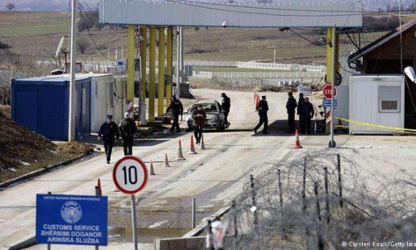 Tri femra tentojnë t'i ikin karantinës duke kaluar ilegalisht kufirin, arrestohen nga policia