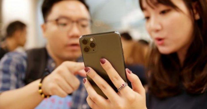 Përdoruesit e iPhone ankohen se një vijë e gjelbër iu shfaqet atyre në ekran menjëherë pas zhbllokimit