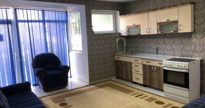 Lëshohet banesa me qira në Lipjan, 72 m2, dy dhoma gjumi si dhe kuzhinë me sallon