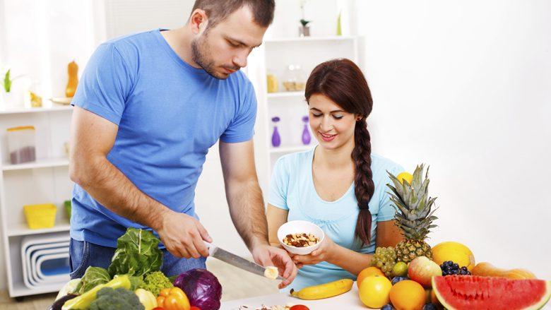 Si duhet të hani fruta kur jeni në dietë?
