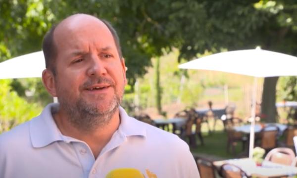 Ideja e biznesmenit gjerman: Pesë ditë më shumë pushim punëtorëve që s'pinë duhan