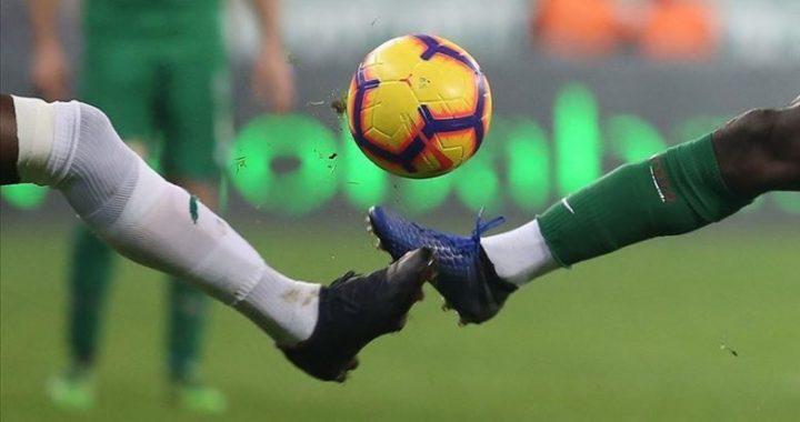 Lëndohet duke luajtur futboll, dërgohet për tretman mjekësor në QKUK