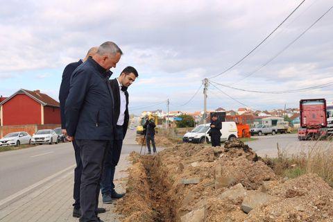 Kanë nisur punimet për ndërtimin e rrjetit të ndriqimit publik përgjat rrugës Lipjan-Magure