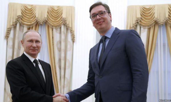 Serbët në hall, mundohen ta arsyetojnë anulimin e vizitës së Putinit në Beograd