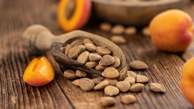 Bërthamat janë një burim i vërtetë i shëndetit: Mjafton të hani pesë në ditë